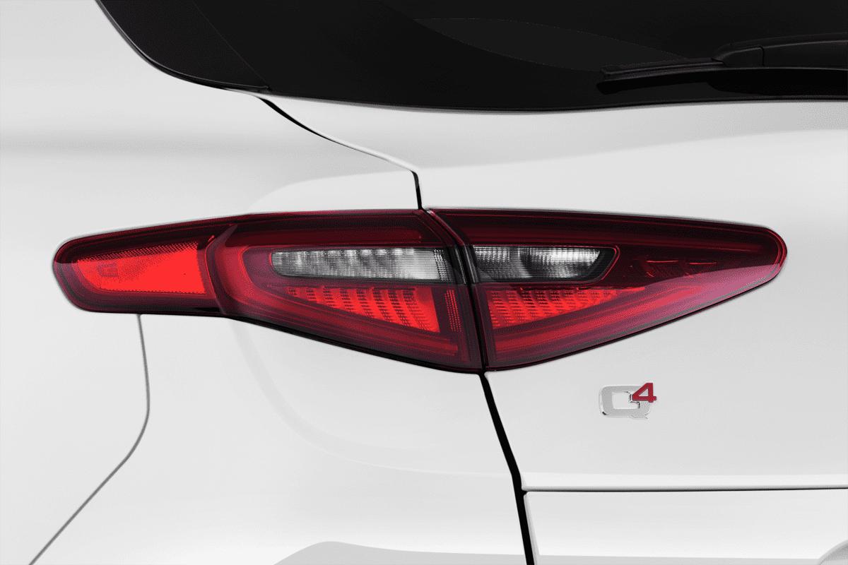 Alfa Romeo Stelvio  taillight