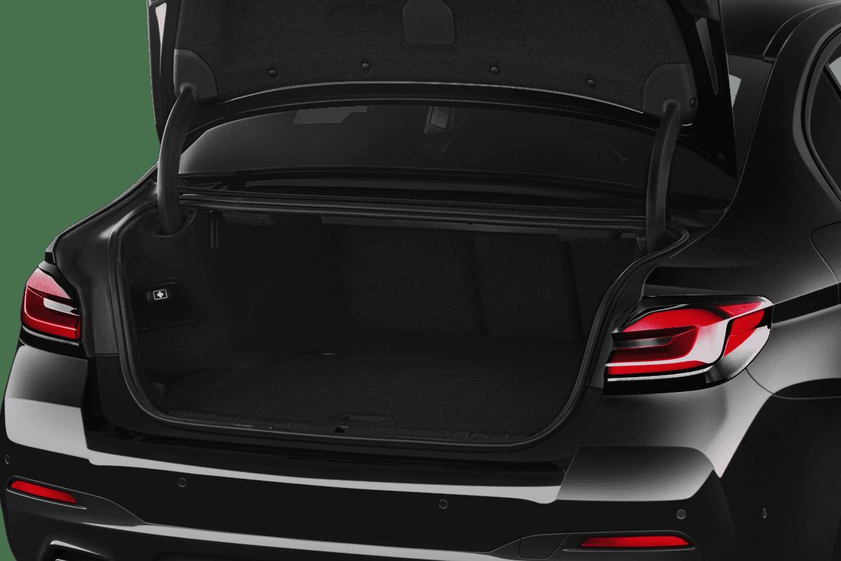 BMW 5er Limousine Plug-in-Hybrid trunk