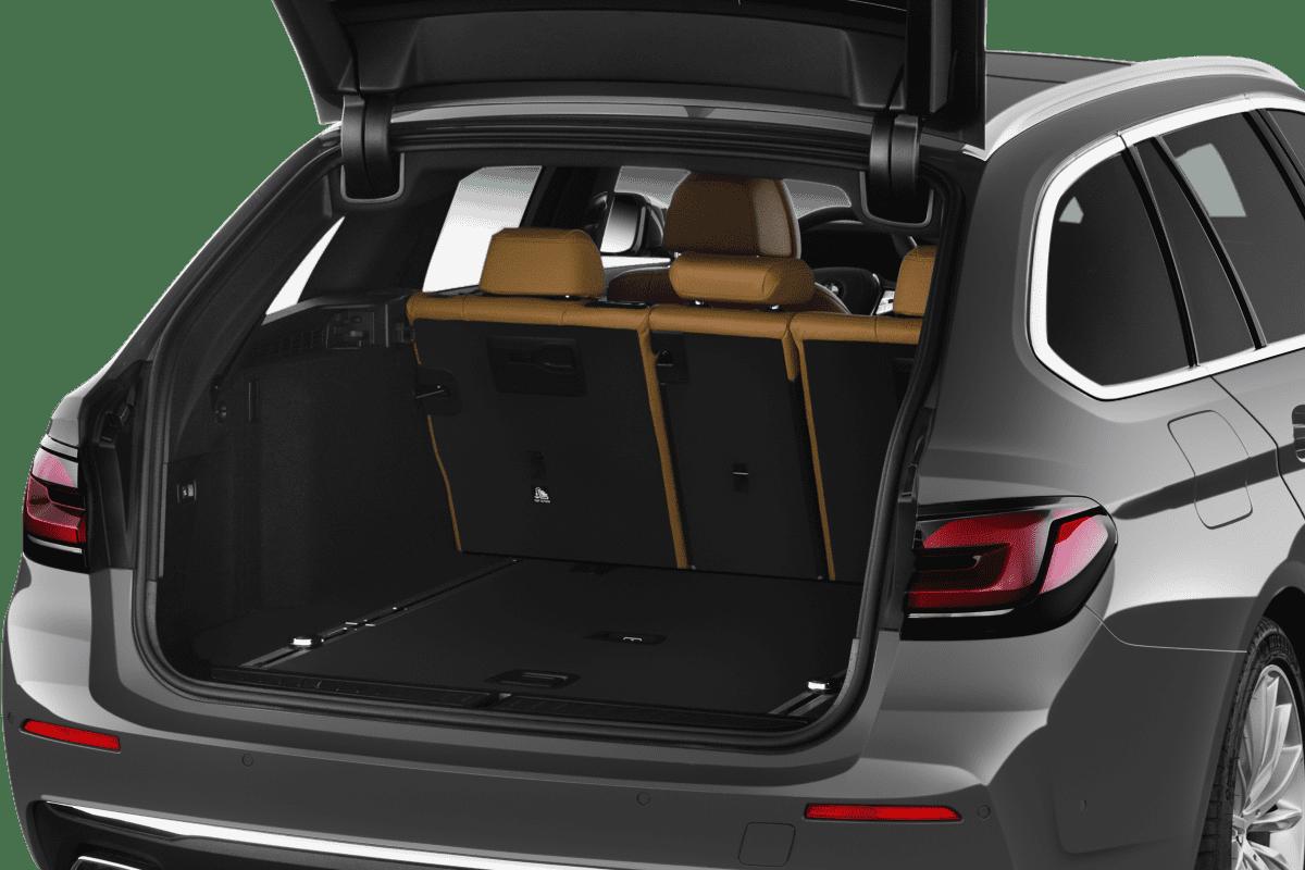 BMW 5er Touring trunk