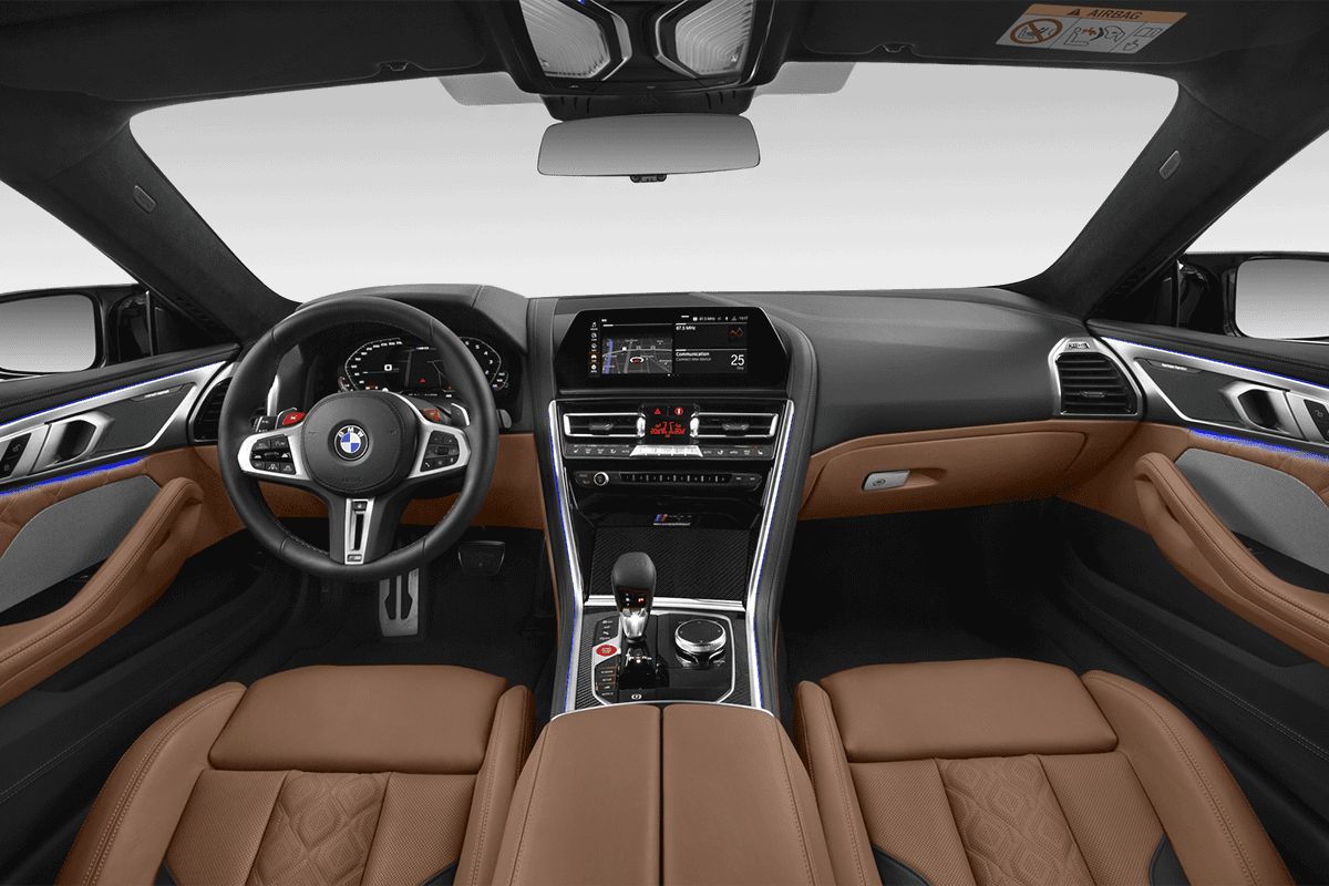 BMW M8 Coupé dashboard