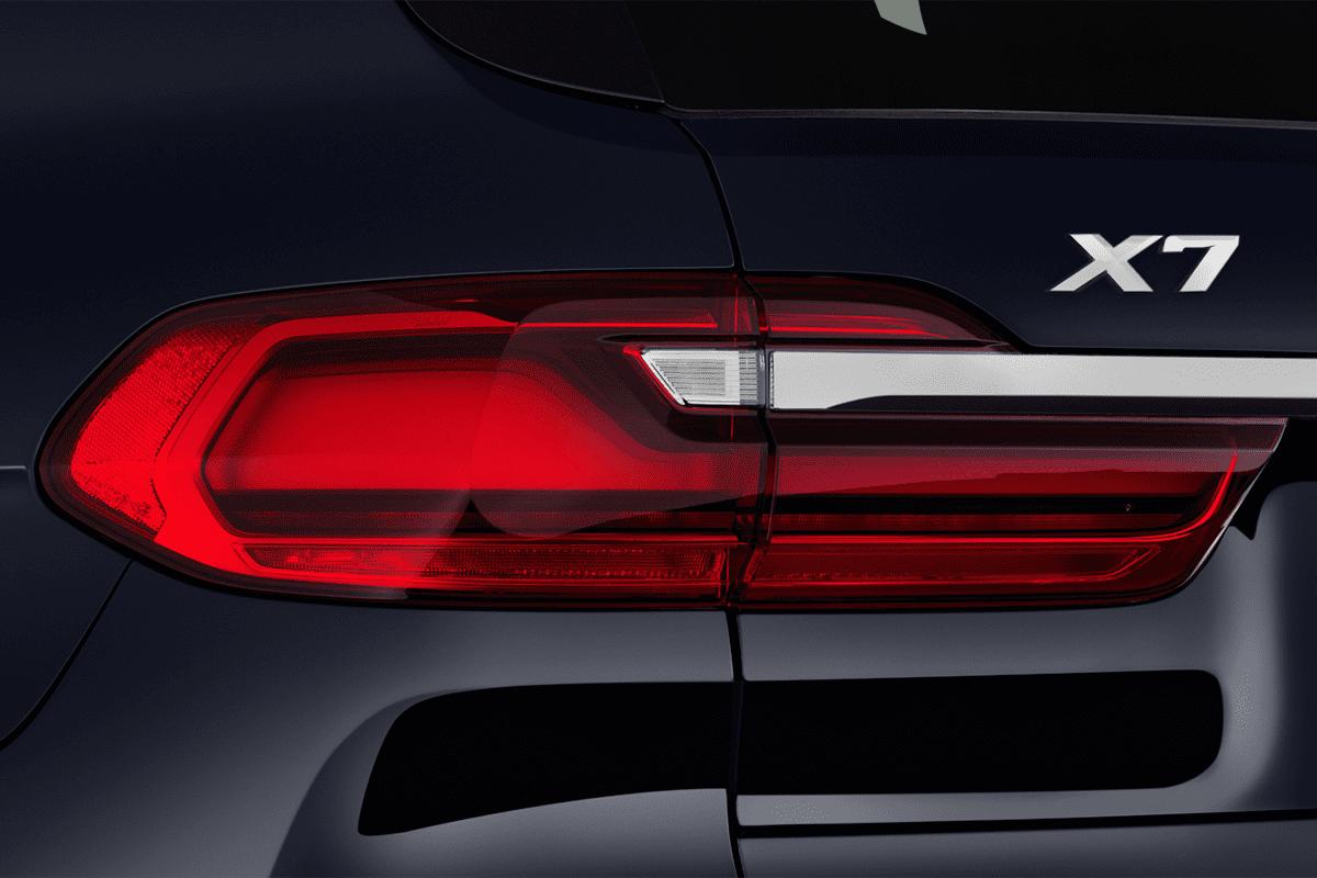 BMW X7 taillight