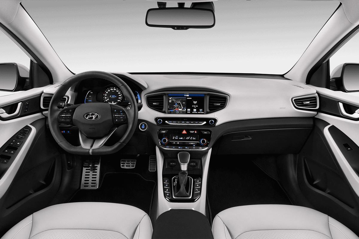 Hyundai Ioniq Plug-in-Hybrid dashboard