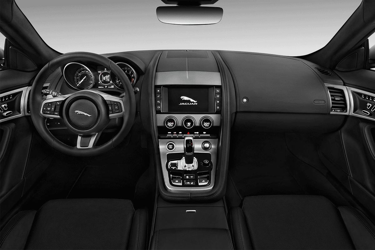 Jaguar F-Type Cabrio dashboard