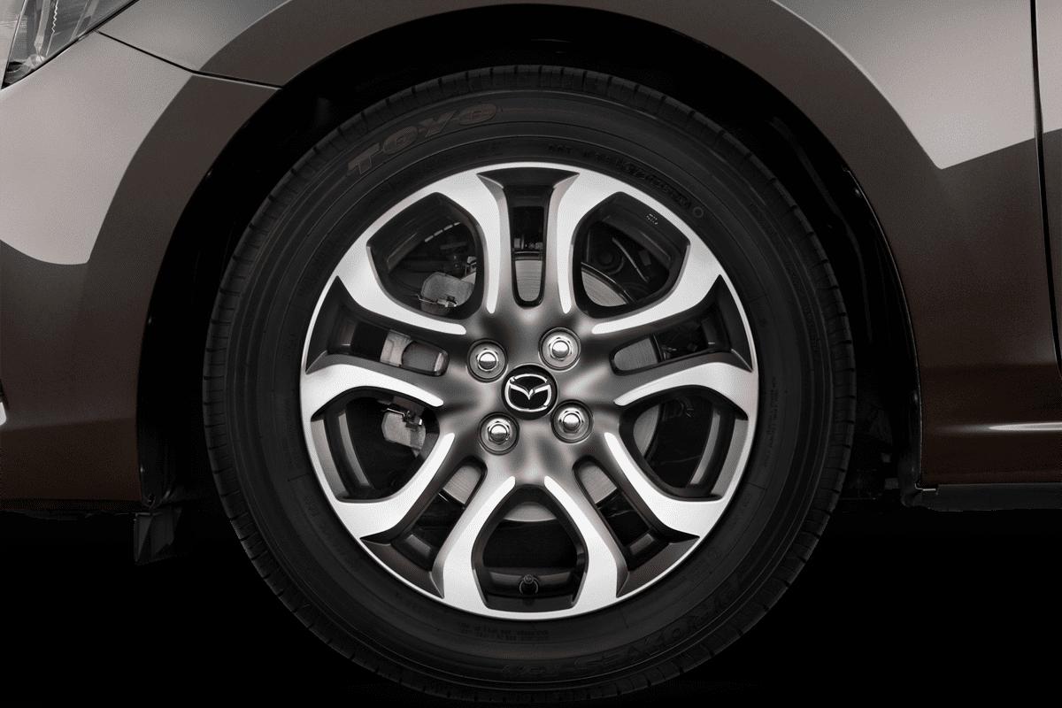 Mazda 2 Signature wheelcap