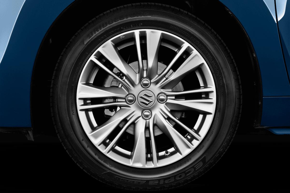 Suzuki Baleno wheelcap