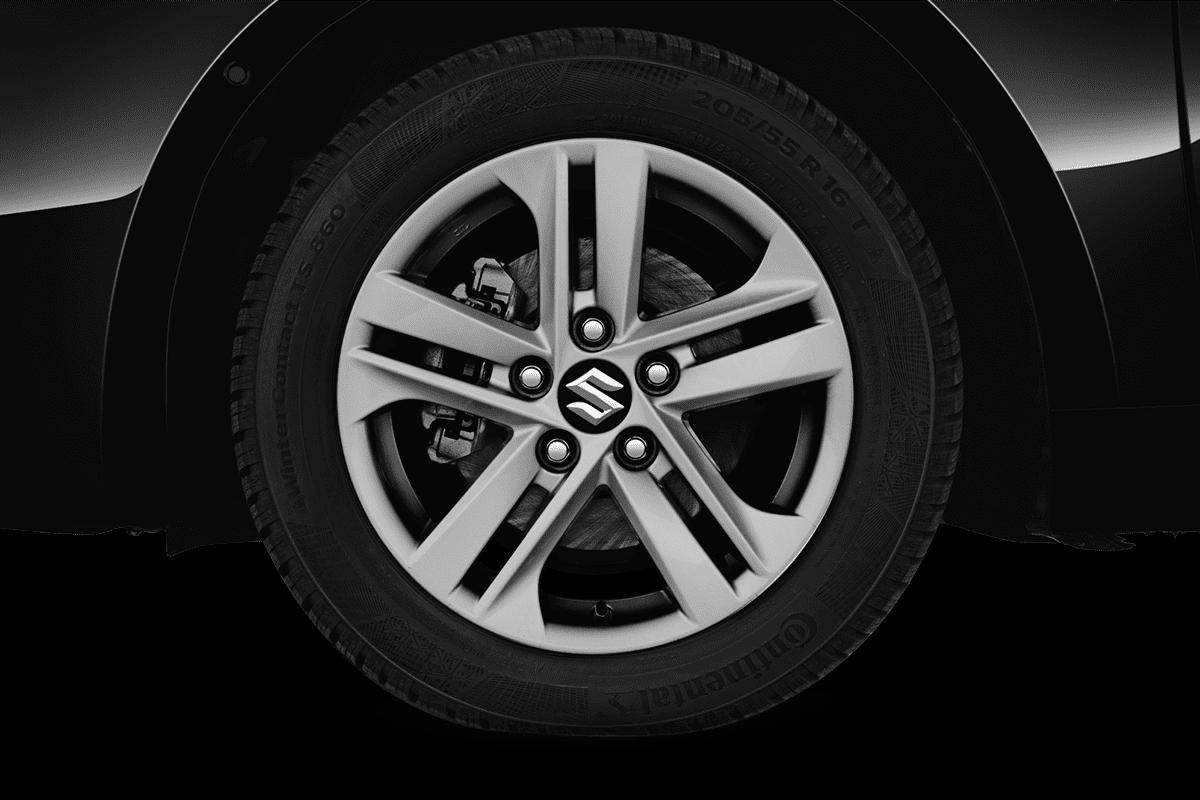 Suzuki Swace wheelcap