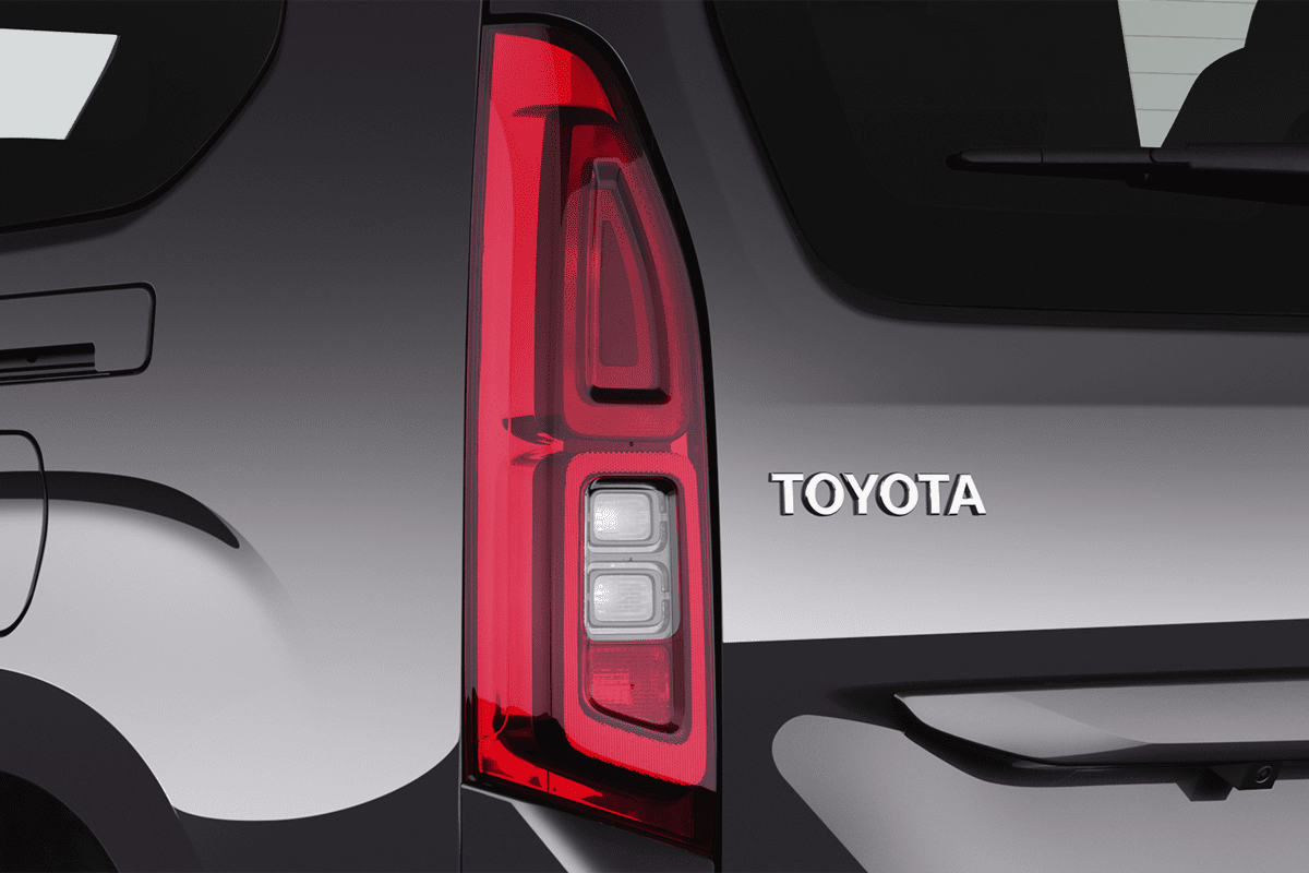 Toyota Proace City Verso taillight