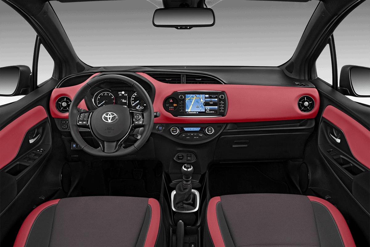 Toyota Yaris Y20 dashboard