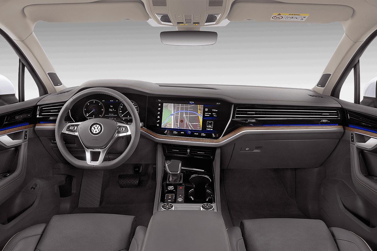 VW Touareg Plug-In-Hybrid dashboard