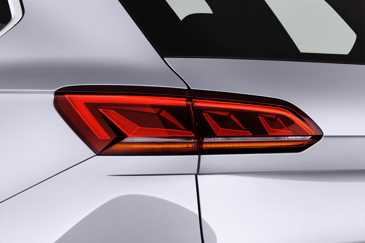 VW Touareg Plug-In-Hybrid taillight