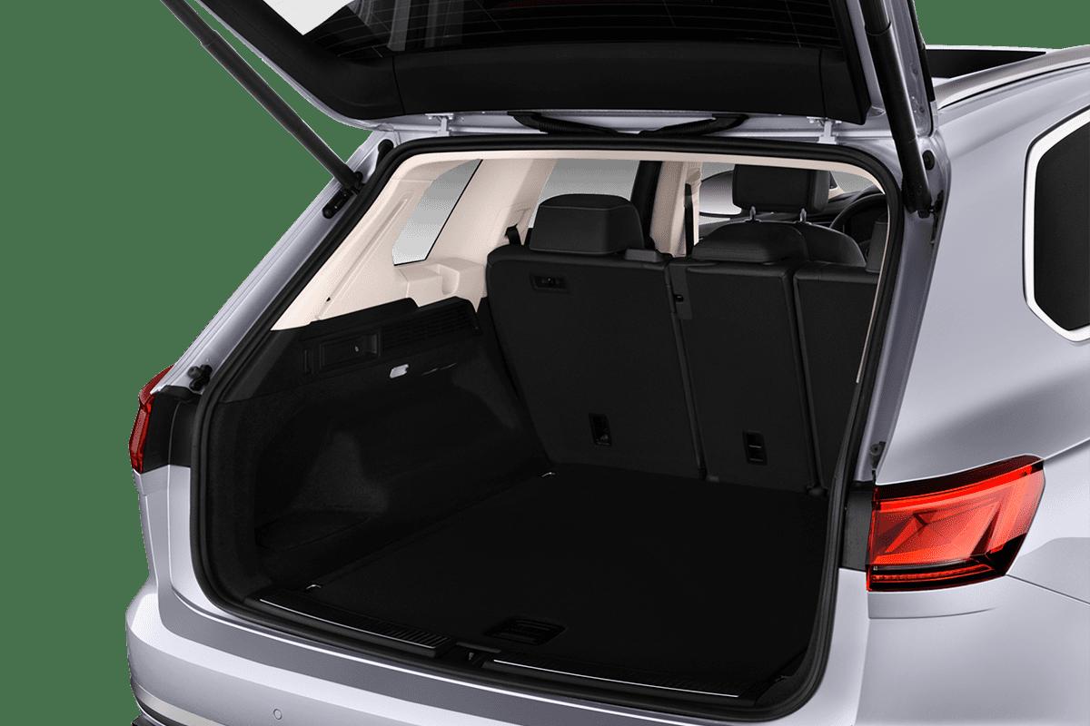 VW Touareg Plug-In-Hybrid trunk