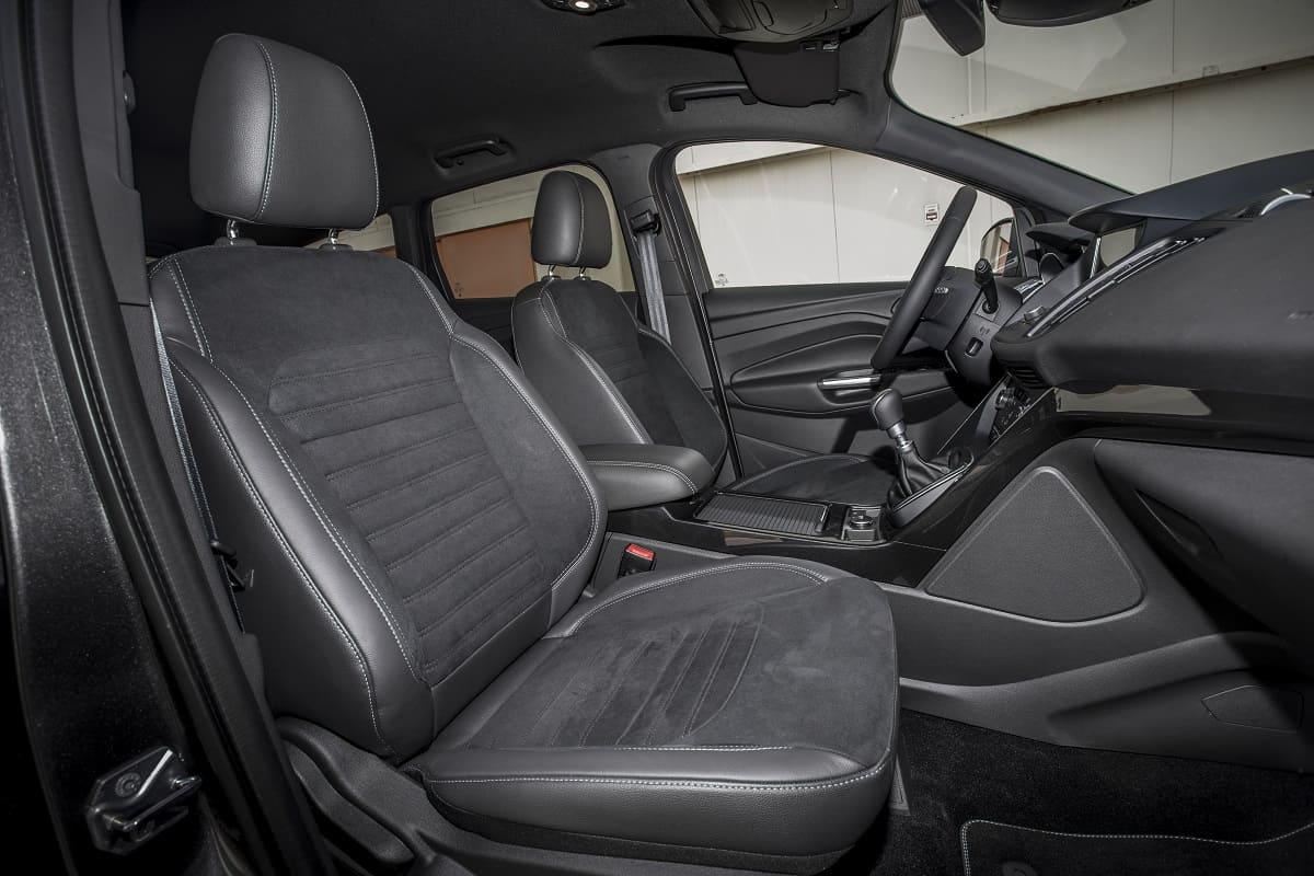 ford-kuga-st-line-2020-innen-cockpit