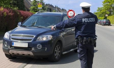 polizei_kontrolle_auto
