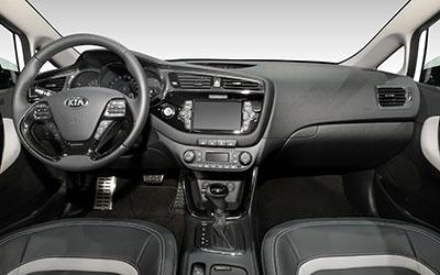 kia-ceed-2105-innen-cockpit