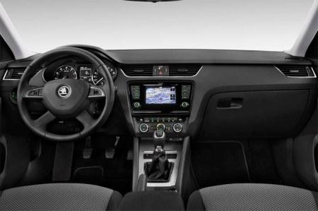 skoda-octavia-limousine-2013-innen-cockpit