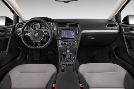 vw-e-golf-7-2016-innen-cockpit